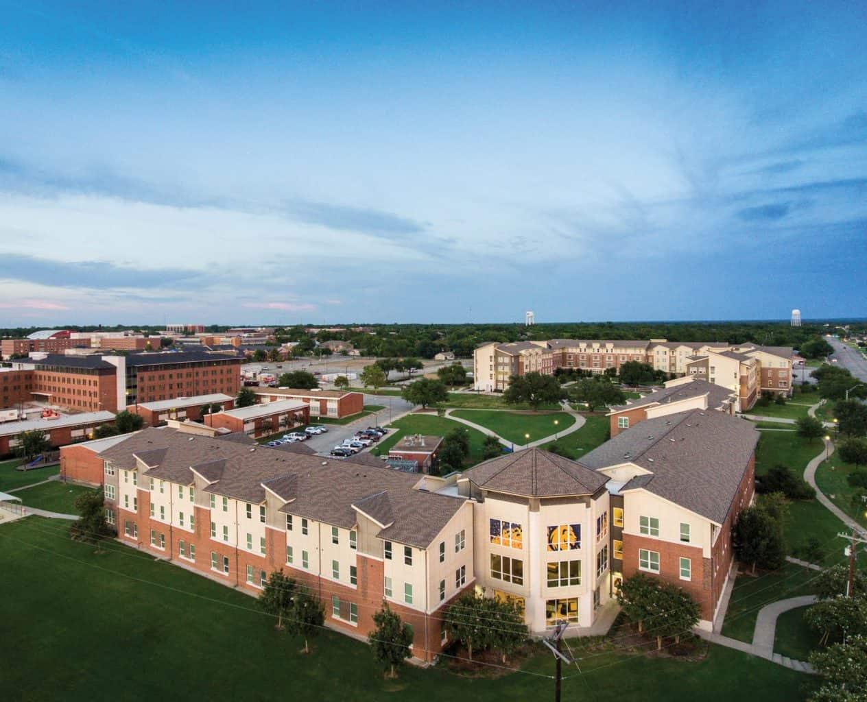 17387-campus drone DJI_0088