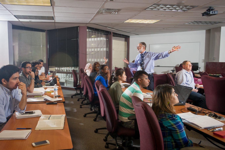 Dr Steven Shwiff teaching class