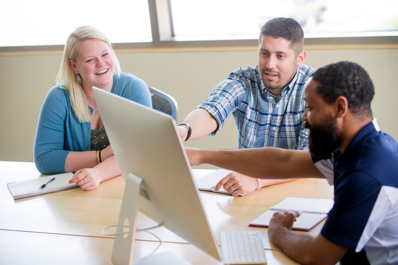 Students interaction on monitor
