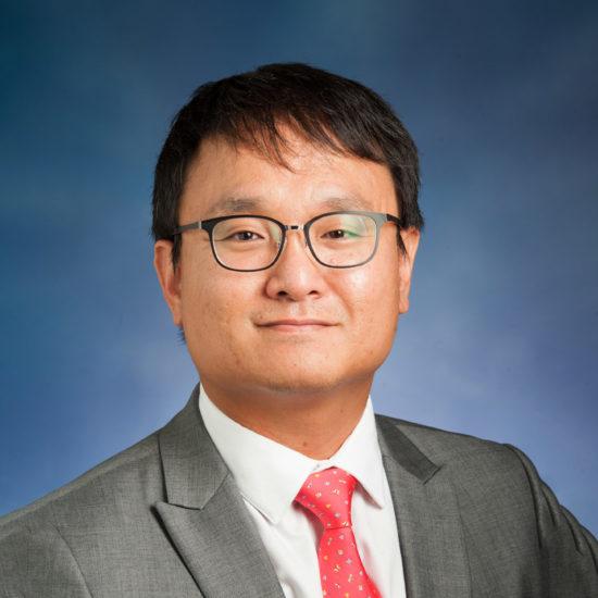 Dr. Kibum Kwon headshot.