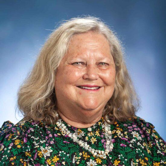 Linda Openshaw Headshot.