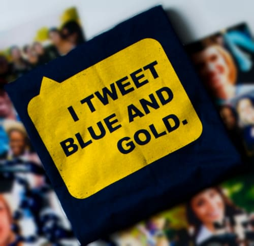 I Tweet blue and gold icon