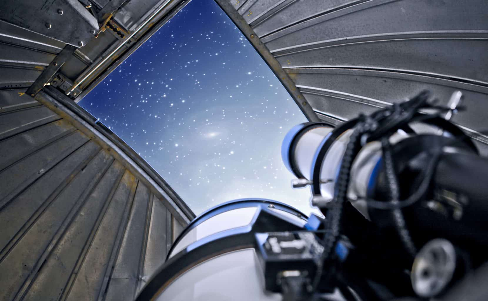 Image of telescope and stars.