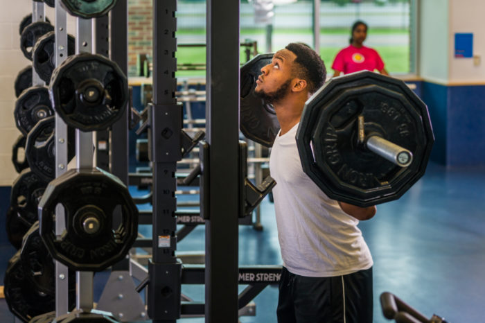 RecCenter_Fitness_LiftingWeight3