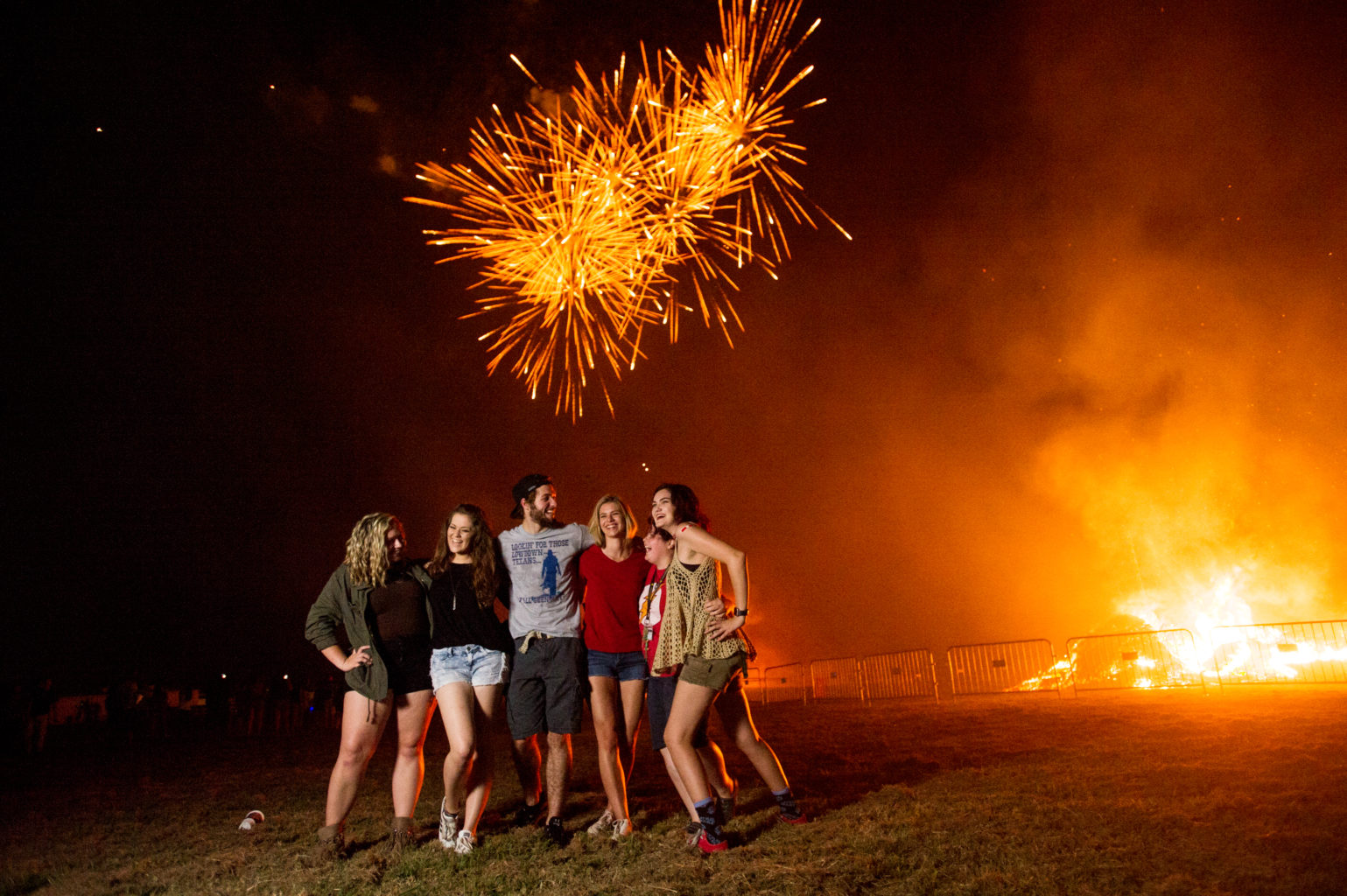18087-Bonfire and Fireworks show-2656