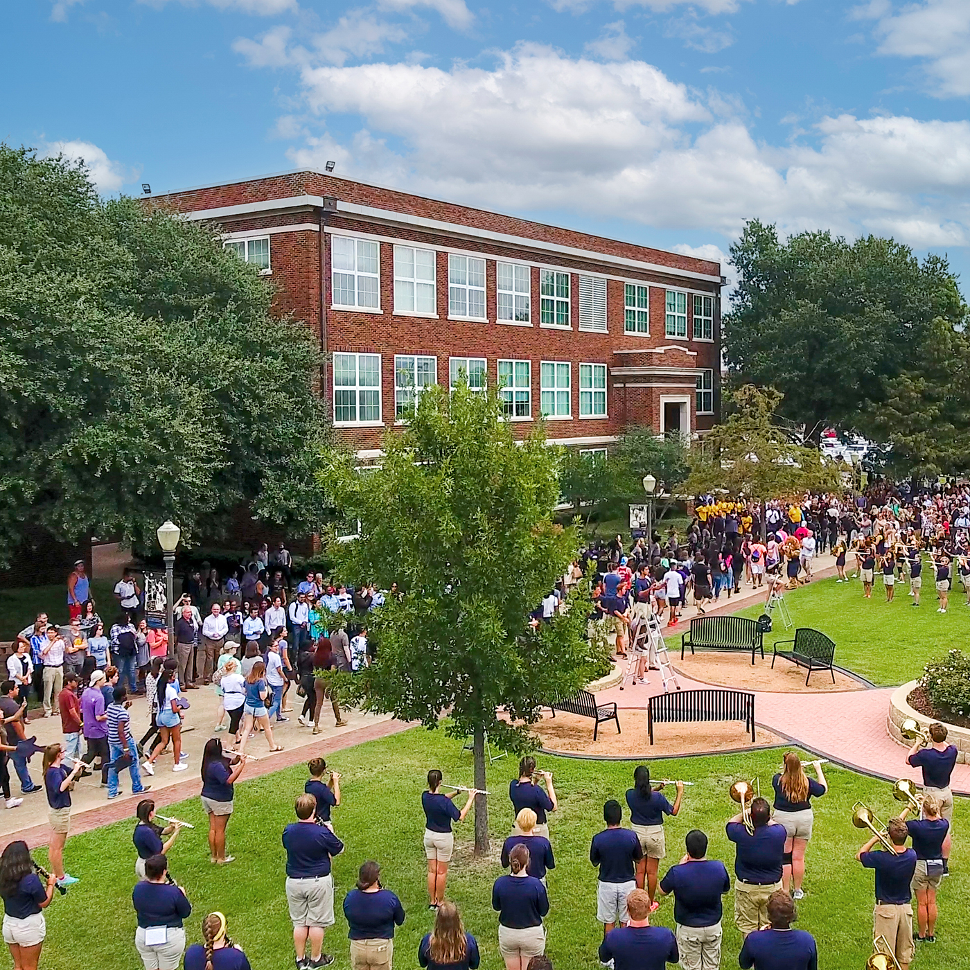 A&M-Commerce campus full of people for the Lion Camp.